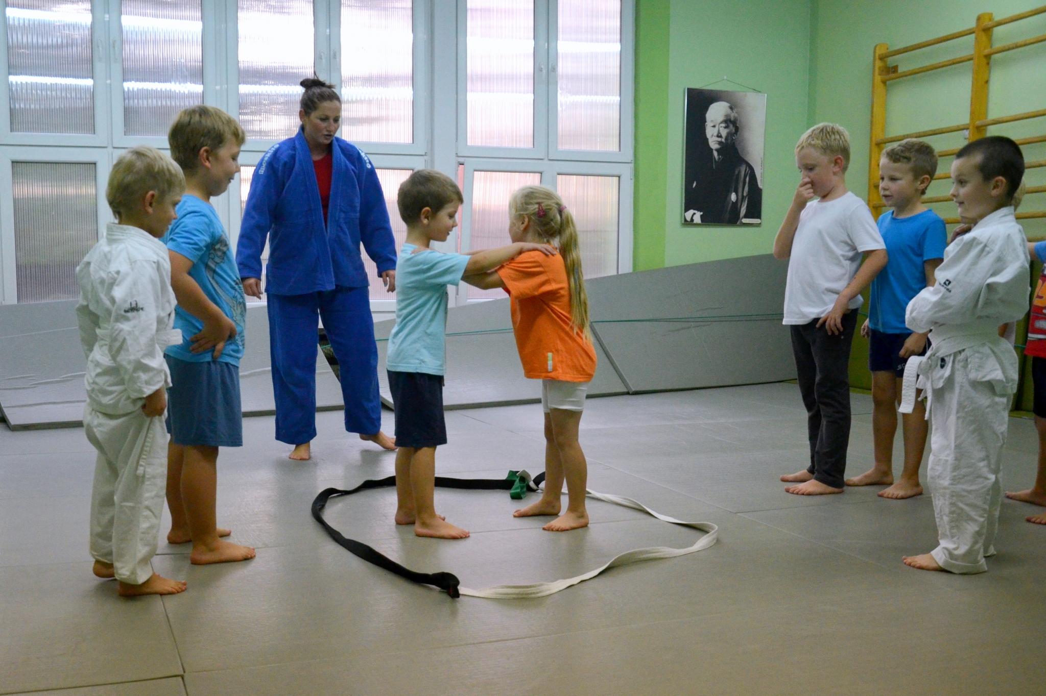 Tylko na zewnątrz Judo dzieci 5-9 lat - sala przy ul. Janickiego - trenerka Joanna NB36